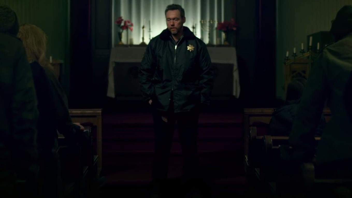 Dark Was The Night (2014) screenshot