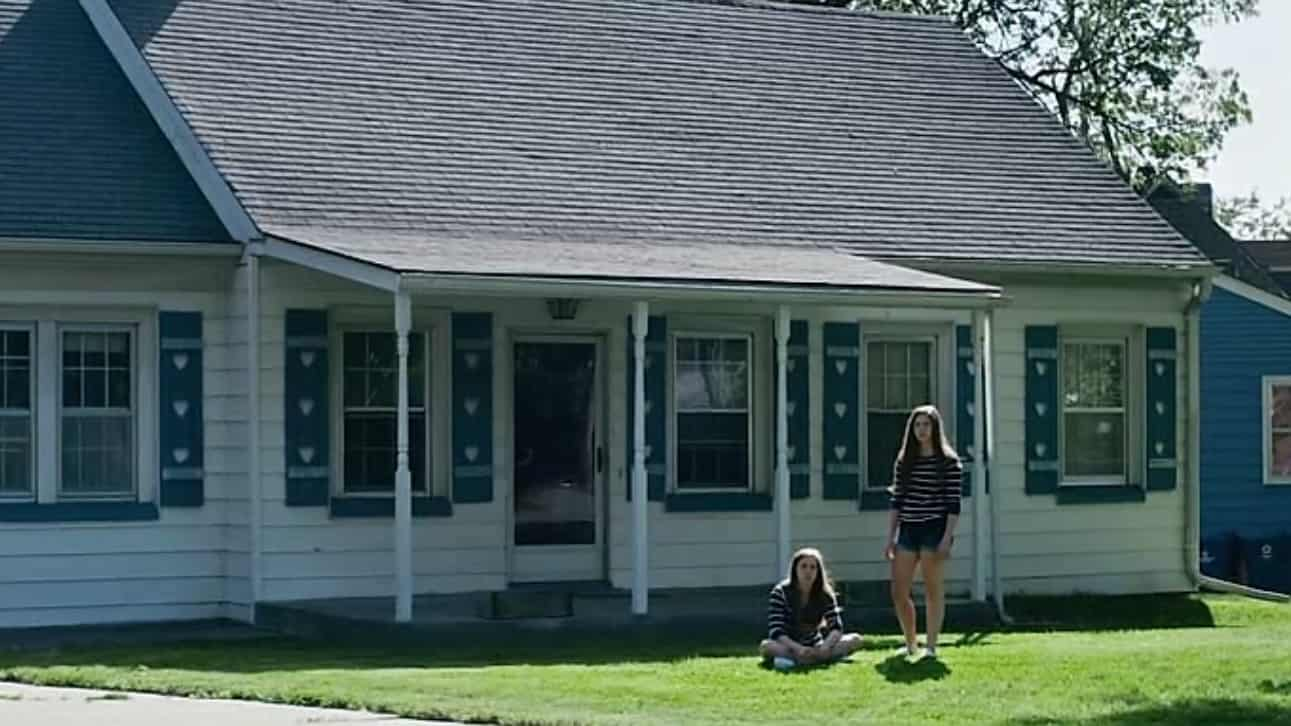 The House on Pine Street (2015) screenshot