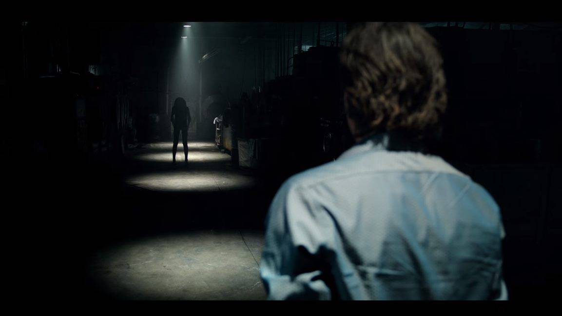 Lights Out (2016) screenshot