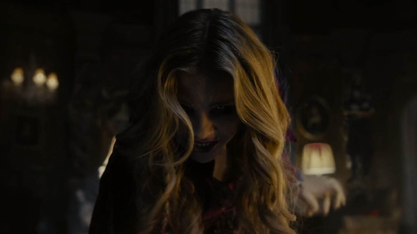 Dark Shadows (2012) screenshot