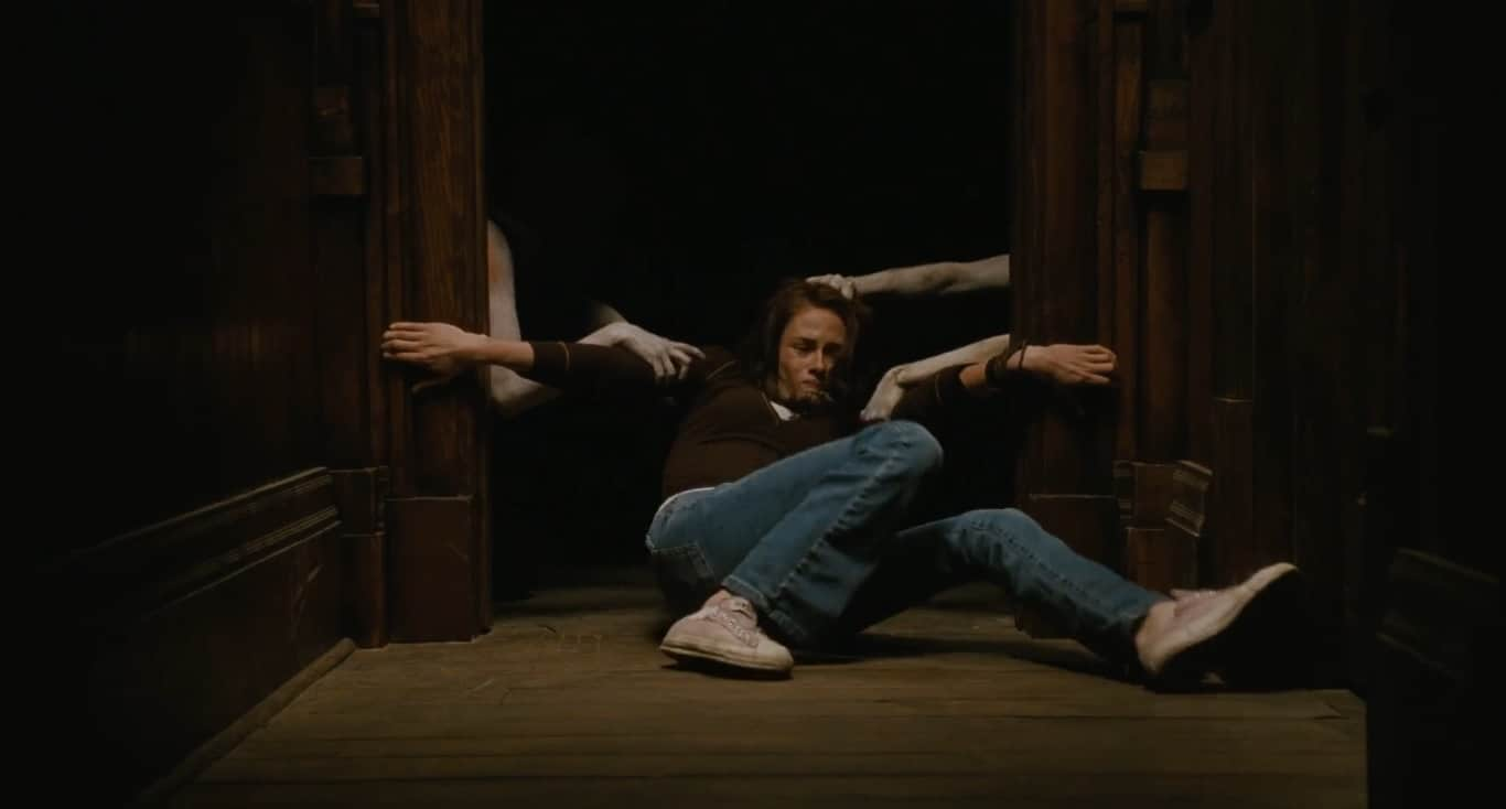 The Messengers (2007) screenshot