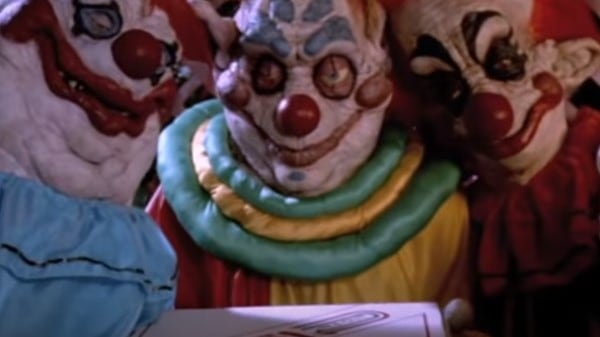 Killer Klowns From Outer Space (1988) screenshot